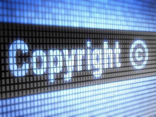 La directive 2019/790 sur le droit d'auteur adoptée, transposée et déjà au cœur d'une polémique juridique